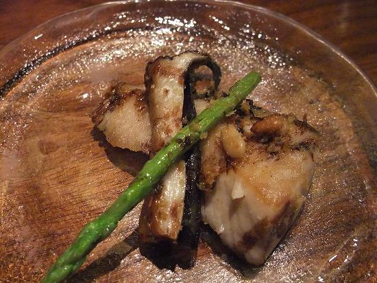 ⑥サワラとエリンギ、山菜のソテー バルサミコソース 取り分け.jpg