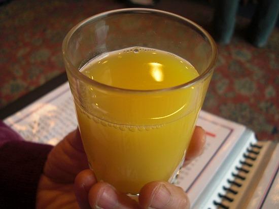 ウェイティング オレンジジュース.jpg
