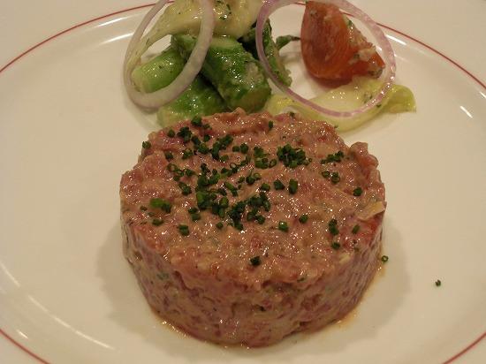 和牛もも肉のタルタルステーキ.jpg