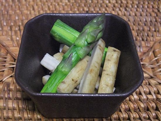 茹でごぼうのサラダ.jpg