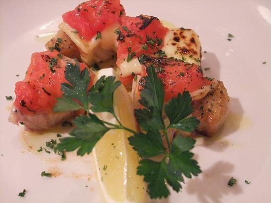 豚肉とトマト、モッツァレラのグリル アップ.jpg
