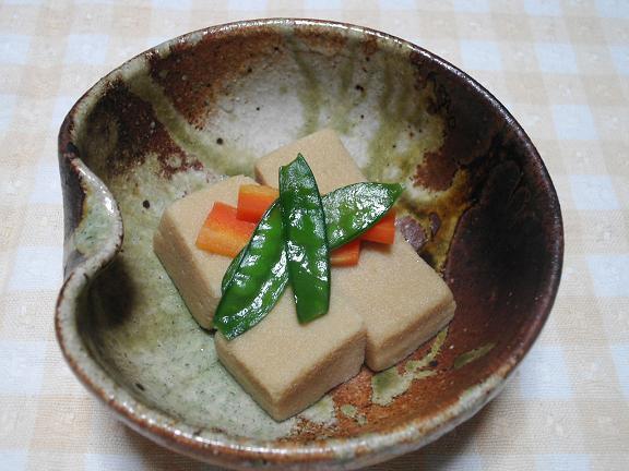 高野豆腐とさやえんどうの煮物.JPG