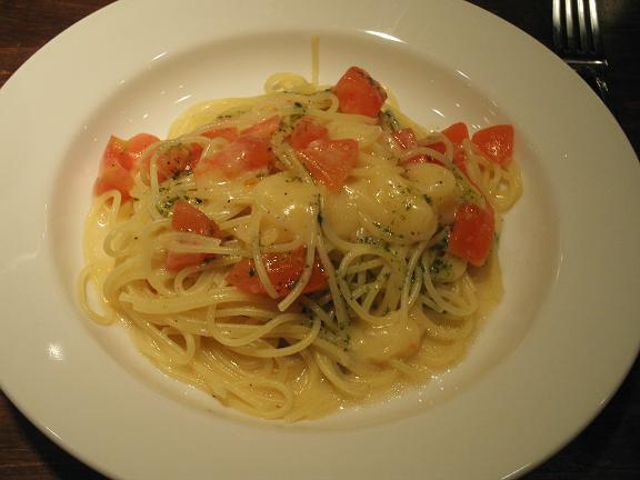 フレッシュトマトととろけるチーズのスパゲティ(塩味) .JPG