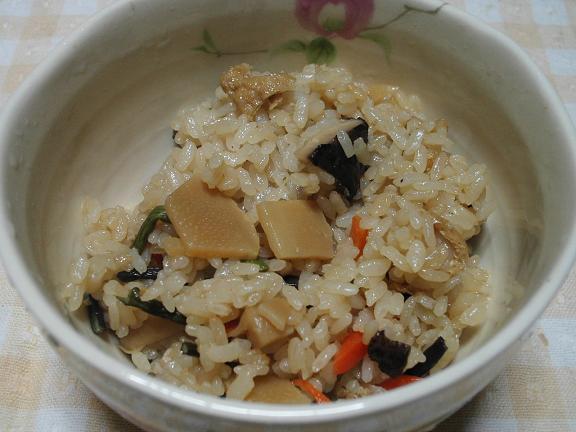 筍とワラビの炊き込みご飯.JPG